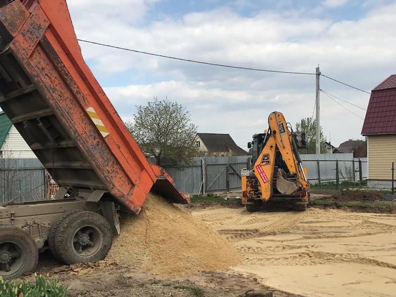 Отсыпка под фундамент. Устройство песчаной подушки