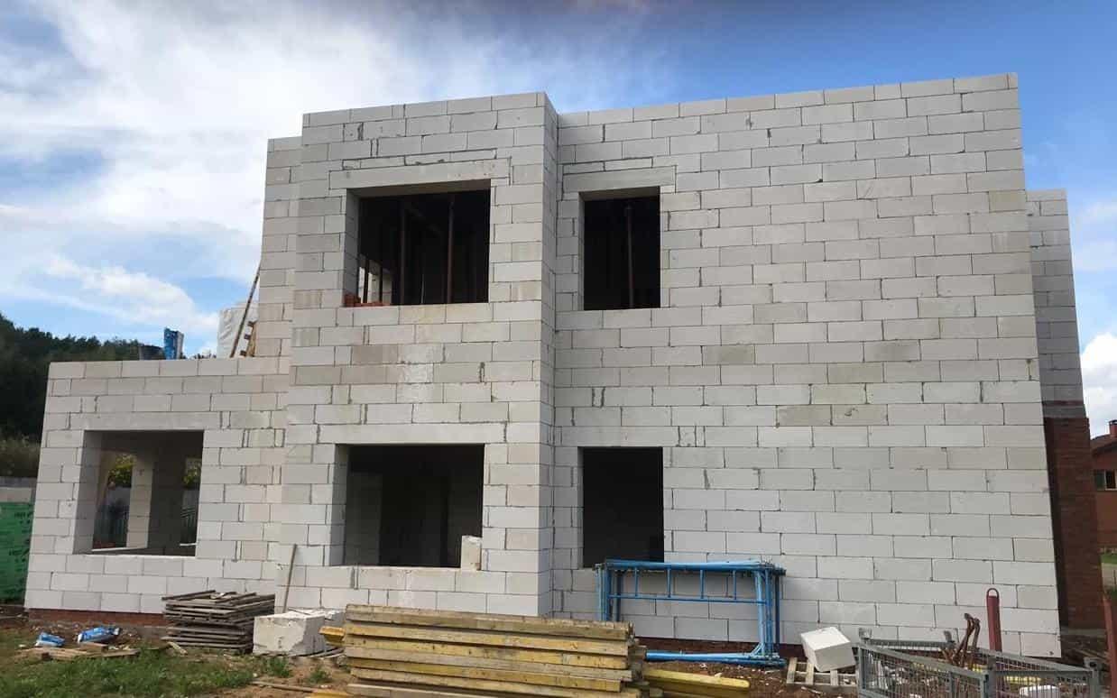 строительство домов из блоков бонолит