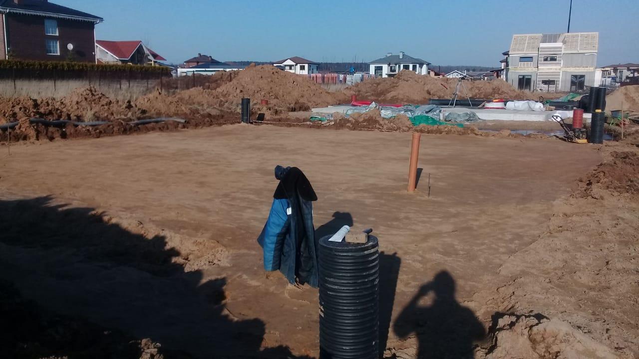строительство фундамента для дома - монолитная плита