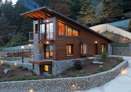 Строительство домов с цокольным этажом на склоне